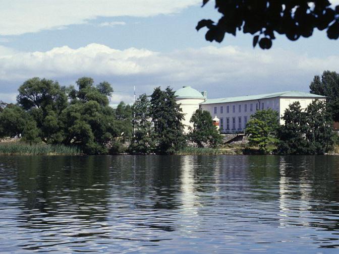 Sjöhistoriska museet sett från vattnet